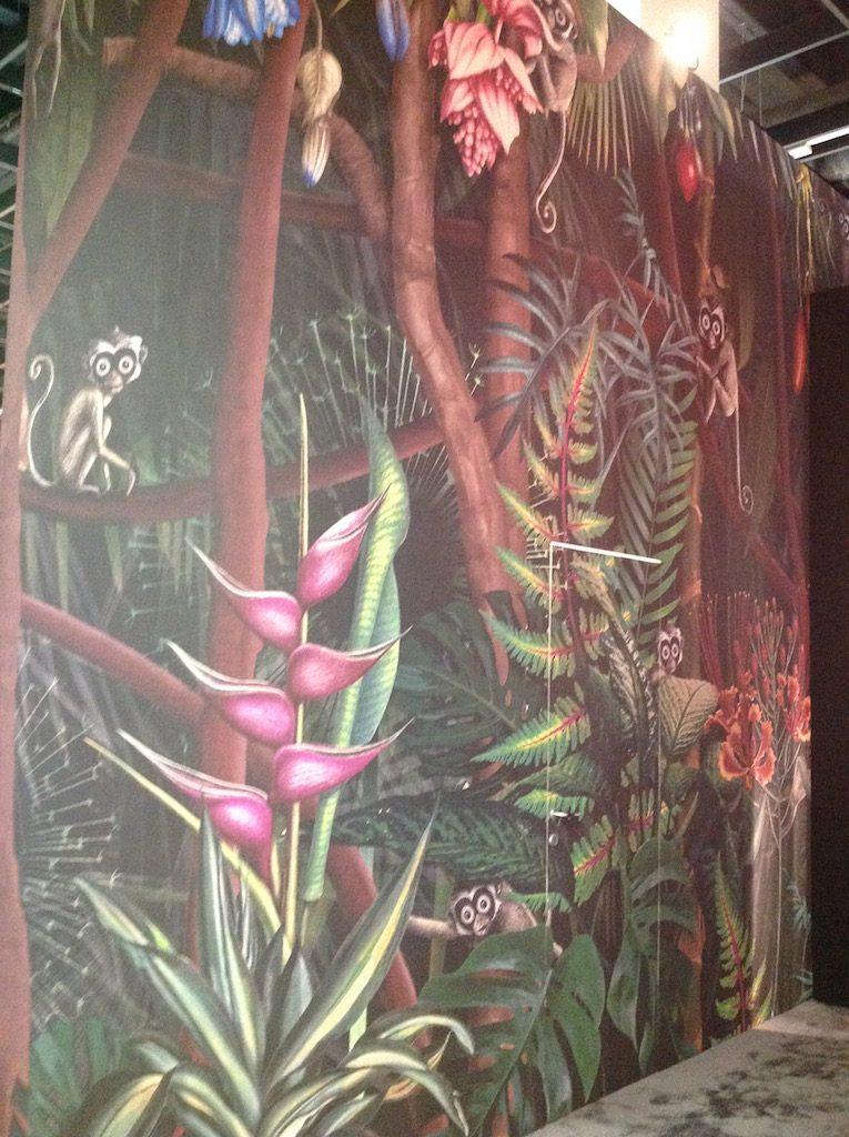 Tapete mit Motiv 'Looks in the Forest' von Francesca Besso für LondonArt