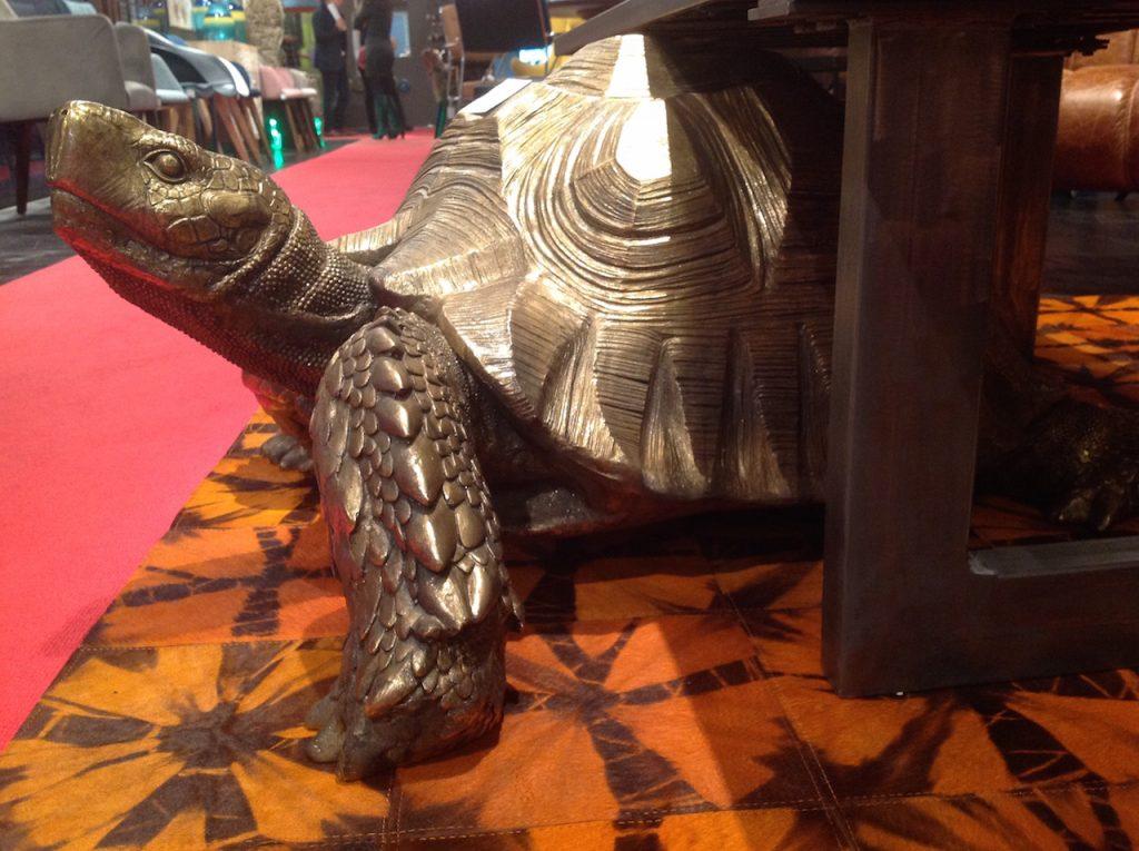 Goldene Riesenschildkröte von KARE