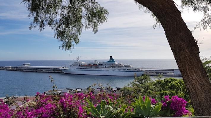 Die MS Albatros im Hafen von Funchal zu Beginn unserer Reise. Die Texterin geht auf große Fahrt.