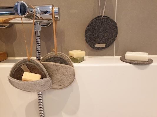 Seifentaschen und Seifenablage aus Wollfilz von manufra