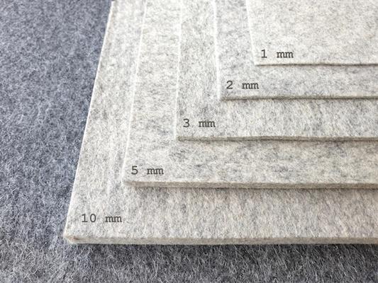 manufra liefert nicht nur nachhaltige Deko aus Wollfilz, sondern auch Zuschnitte als Platten oder von der Rolle